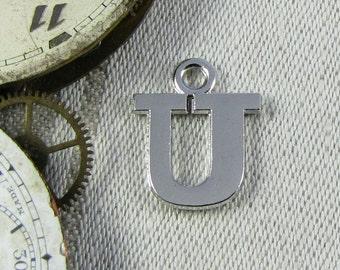 "Letter ""U"" Serif Charm, 1 each per package. ALF023u"