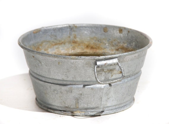 Miniature galvanized wash tub vintage metal pot rustic home for Old metal wash tub