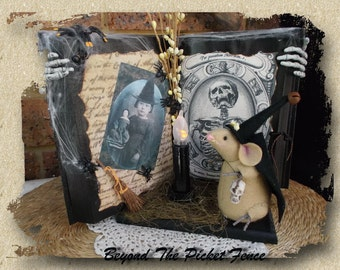 Halloween Decoration/Decor ~ Witch Mouse in Spells Book