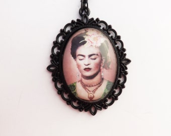 Filigree Black Frida Cameo Necklace