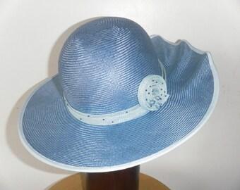 Blue ripple brim hat