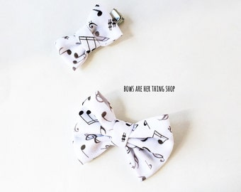 LEVI music notes bow