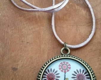 Necklace /Bronze /leather bronze/Glass picture /25 mm