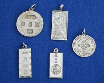 Five Hallmarked Pendants - English Sterling Silver - Ingots - Pendant - Queens Jubilee 1977 - Circle of Raphael - 925