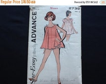 Advance pattern 2739. Vintage 1962 misses' baby doll pajamas. Sleeveless or short puffed sleeves, scalloped hemline. Size 14.