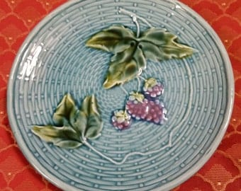 Vintage GS Zell Germany Turquoise Basket Weave Majolica Pattern China Plates with Blackberry Fruit Center Design set 4 decorator plates