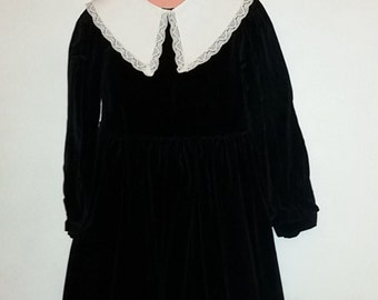 Vintage romantic / black velvet dress with collar lace / size 8 years