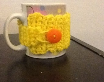 Yellow mug cosy