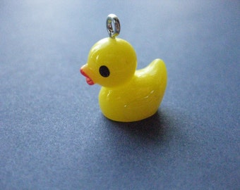 5 Rubber Ducky Charms - Rubber Ducky Pendants - Rubber Ducky - Rubber Duck - Duck - Resin Charm - 20mm x 16mm  -- (No.86-10941)