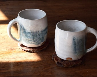 Set of 2 stoneware mugs