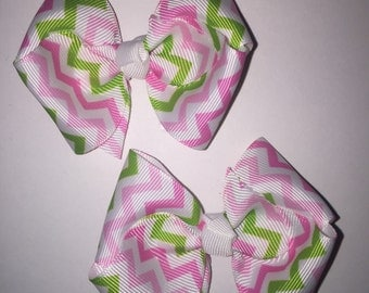 Large piggies/pig tail bows