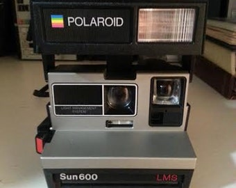 Vintage Polaroid SUN 600 LMS Camera