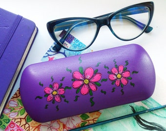 Glasses case Pink flowers - flower art - gift for girlfriend - cute gift - sunglasses case