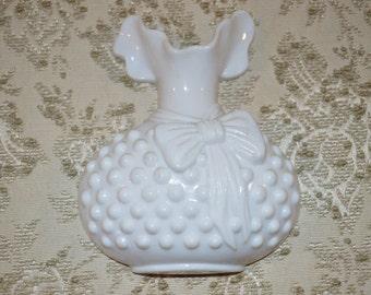 Burwood Hobnail Plastic Vase Wall Decor~ Shabby Chic ~ Country Cottage ~  Fenton Style ~Vintage 1983
