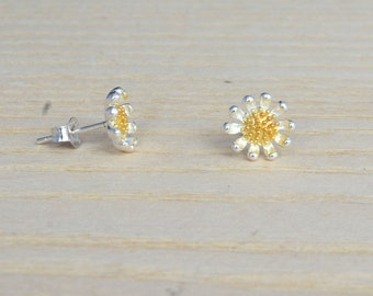 Handmade Beautiful Little Wild Daisy Flower Sterling Silver Stud Earrings m55