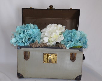 Industrial Retro Rustic Vintage Pet Carrier Case, Small Dog or Cat or Repurpose to Flower Box Home Decor