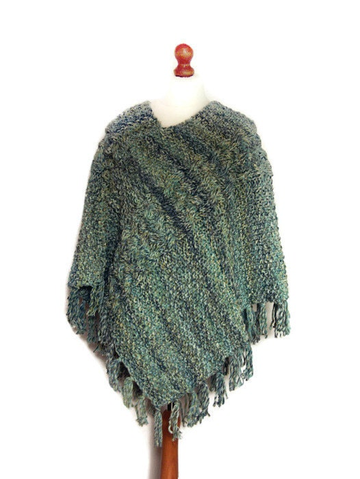 Knitting Pattern For Chunky Poncho : Ladies Poncho Ladies Hand Knitted Chunky Poncho Wrap Cape