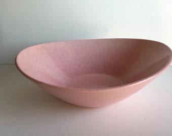 Vintage ceramic serving bowl/vintage serving ware/Vintage Kitchen/Pink Serving Bowl/Vintage Pink Bowl