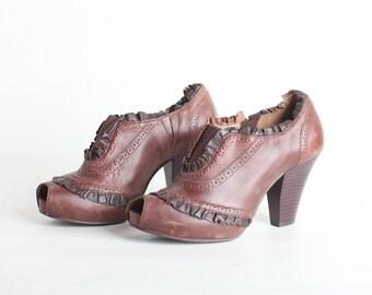 Vintage Women's Size 8 High Heel Peep Toe Bootie Shoe