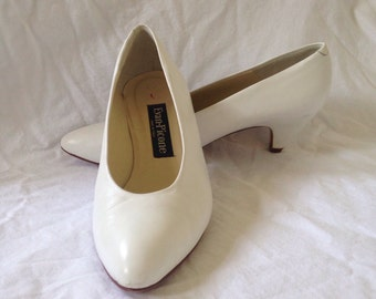 """Evan Picone white leather pumps with 2"""" heels"""