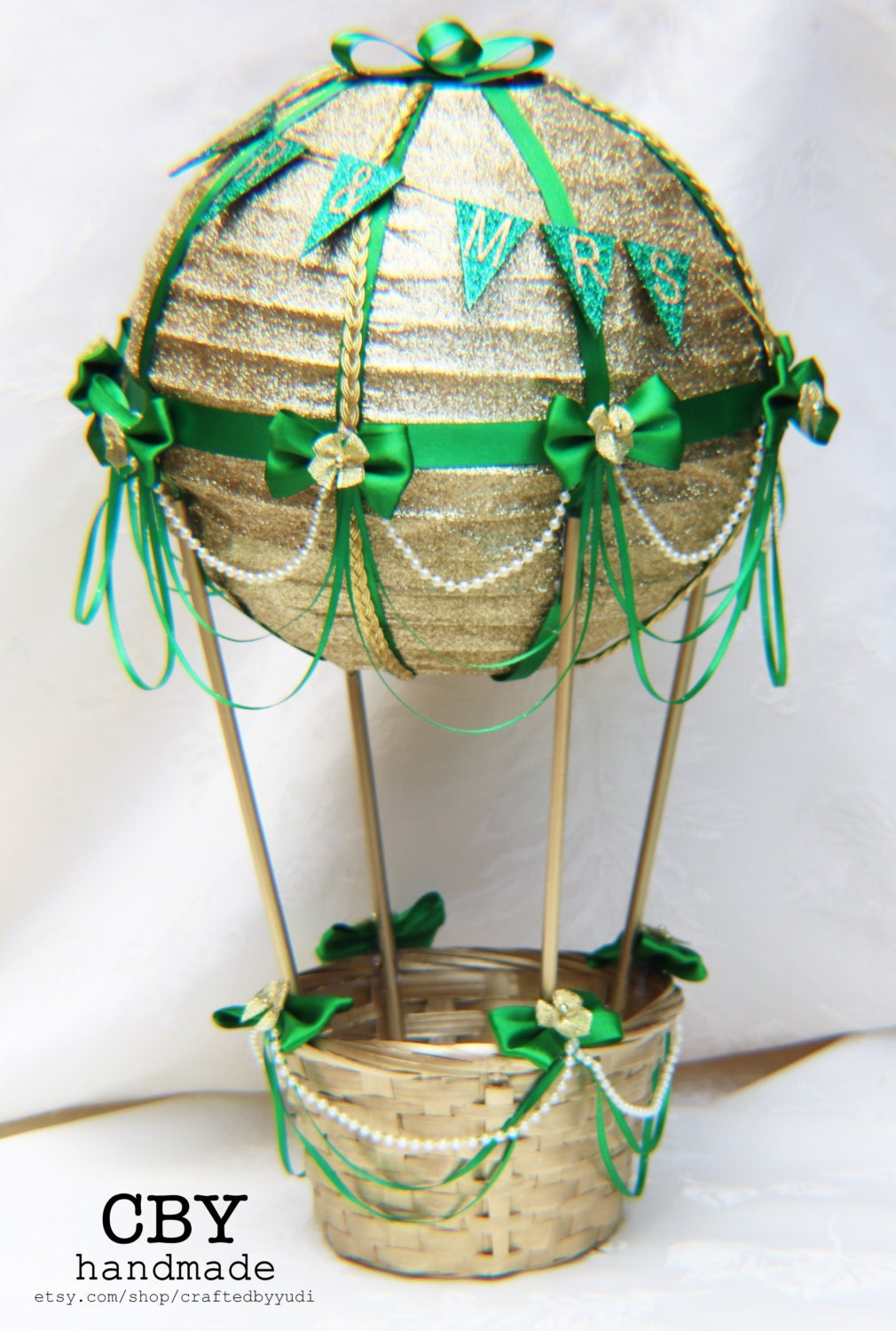 Hot air balloon bridal table centerpiece gold and emerald