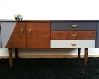 Vintage gemstone relooked, furniture TV, trio of grey