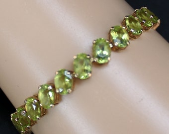 14K Solid Yellow Gold Natural Peridot Tennis Bracelet Vintage Estate 7 Inches Long Nearly 11 Grams August Birthstone Mother's Day