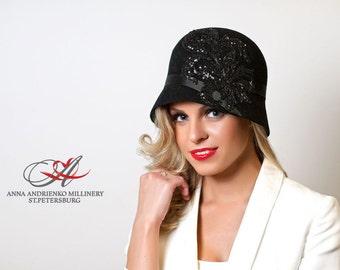Fashion designer milliner black felt cloche women hat  handmade 1920, cloche style Charleston winter hat. AA