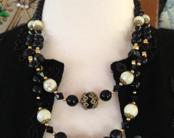 Vintage Black Lucite Beaded Necklace  *  10 inch two strand