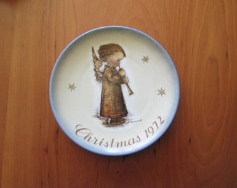 Vintage 1972 Hummel Christmas Plate from the works of Sister Berta Hummel