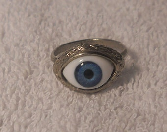 Vintage Silver Eye Ring with Blue Eye
