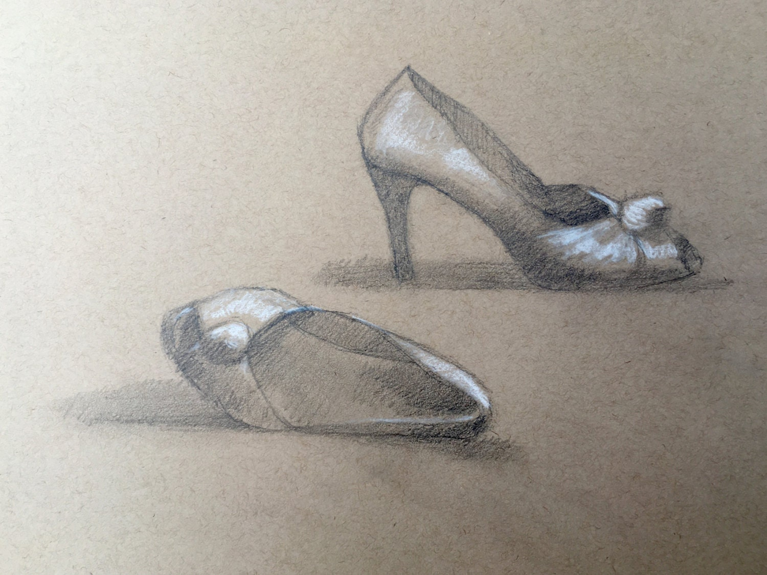 Nature morte dessin chaussures de caroline dessin - Dessin de nature morte ...