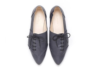 Sale 40% off! Women black shoes, black shoes, oxford shoes, black oxfords, tie shoes, handmade leather shoes by Burlinca. Damon model.
