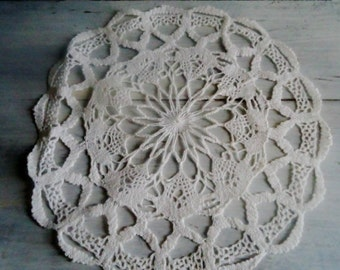 French Doily lace vintage, Round lace doily,   shabby chic doily lace