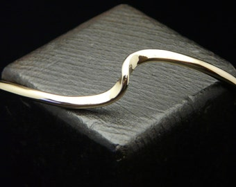 14 KT Gold Filled Heavy Single Wave Forged Cuff Bracelet