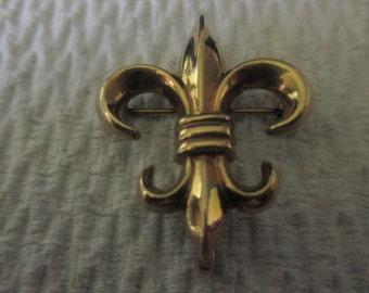 Vintage Fleur de lis gold fill pin