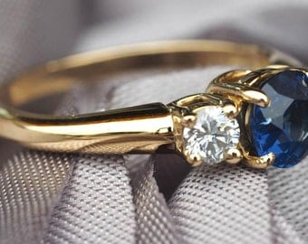 Vintage Tiffany & Co Sapphire and Diamonds 18k Yellow Gold Ring