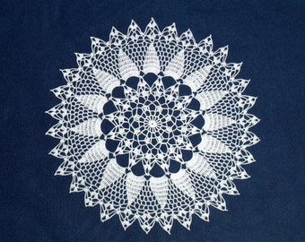 Whilte crochet doily