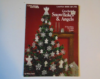 Crochet Snowflakes and Angels Leisure Arts 255