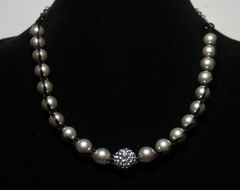 Silver Pearl and Rhinestone Necklace 043