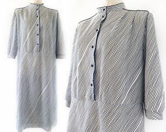 Plus size vintage dress, nautical, white with thin blue stripes, Kaisu Heikkilä, size EU 46 / UK 18 / US 16