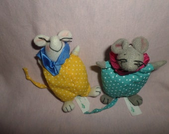 "Vintage Russ Mouse plush Mice 3""  gray & white Little small x's 2"