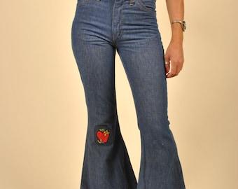 1970's vintage  denim bellbottom jeans!! W27/28 Inseam 30 Big Bell!!