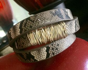 Sneak leathe bracelet