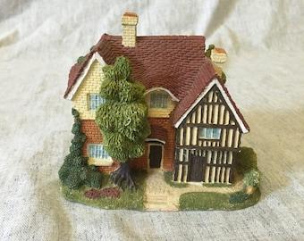 Vintage Olde Englands Classic Cottages Figurine, The Langley House