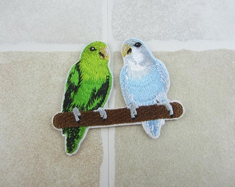 Parrots Patch Iron/Sew On