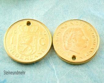 10 x coin 23 mm gold plated pendant type. 2830