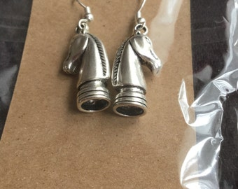 Horse head chess piece earrings , Happy Potter theme