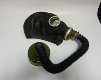 Gas mask gp5 black with hose ... Soviet army gas mask.. Gasmask ... military ... cyber mask ... White gas mask GP 5..Very rare model