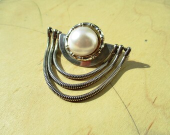 VINTAGE silver brooche with large pearl